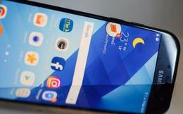Xem cảnh mở hộp điện thoại tốt nhất trong tầm giá của Samsung, nhưng là trong bồn tắm