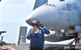 """Cuộc sống """"không như mơ"""" trên tàu sân bay Mỹ USS Ronald Reagan"""