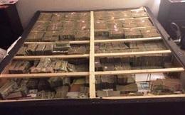 Phát hiện lượng tiền khủng 20 triệu USD giấu dưới tấm đệm