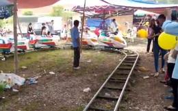 Bé trai 2 tuổi bị tàu điện trò chơi tông tử vong