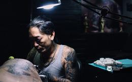 Bộ ảnh: Chuyện đời của gã giang hồ hoàn lương và trở thành thợ xăm ở Sài Gòn
