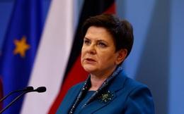 Ôtô tông cây, thủ tướng Ba Lan nhập viện