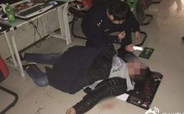 Trung Quốc: Game thủ nôn ra máu vẫn đòi mọi người đỡ dậy để chơi tiếp vì sắp thắng