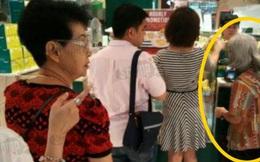 Cặp đôi người Singapore giúp đỡ cụ bà đáng thương, ngay sau đó, người dùng mạng bóc trần sự thật xấu xí