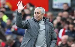 Mourinho than phiền chất lượng sân của Rostov