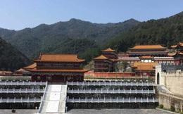 Sinh viên Trung Quốc thích thú với trường học có lối thiết kế như Hoàng cung, đi học như lên chầu