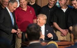 Tổng thống Trump ký bãi bỏ chính sách về biến đổi khí hậu thời Obama