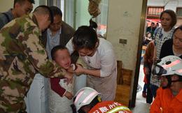 Trung Quốc: Mải chơi đùa, bé trai 3 tuổi bị kẹt cứng trong máy giặt