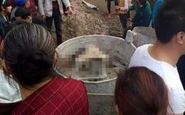 Trung Quốc: Hai bé gái 3 tuổi chết thảm sau khi trèo vào máy trộn bê tông và ấn nút khởi động