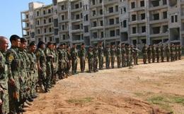 """Chiến sự Syria: SDF đánh bật phiến quân, chiếm hàng chục làng gần """"thủ đô"""" IS"""