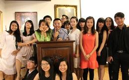 Làm liên tục 12 tiếng, du học sinh Việt ngủ trốn trong nhà vệ sinh