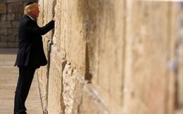 Video: Tổng thống Trump làm nên lịch sử khi thăm Bức tường than khóc