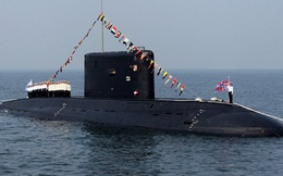 """Nga tiết lộ tàu ngầm dội """"bão lửa"""" tiêu diệt nhóm khủng bố IS"""