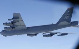 Nga tung Su-27 chặn oanh tạc cơ B-52 của Mỹ