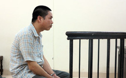 Truy sát người tình của vợ sau khi bắt quả tang trong buồng