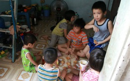 Chồng bỏ, vợ nuôi 11 con giữa Sài Gòn: 'Nhiều lúc, tôi chỉ muốn chết nhưng nhìn đàn con lại cố gạt nước mắt'