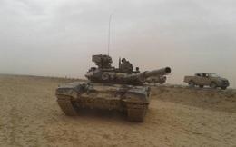 """Chiến sự Syria: """"Diều hâu sa mạc"""" xuất trận cùng tăng T-90 tấn công IS"""