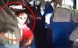 Ô tô gặp nạn khiến các hành khách bắn lên không trung, người mẹ của năm vẫn kiên định ôm chặt được con