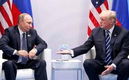 """Ông Donald Trump bất lực trong việc """"cứu"""" Tổng thống Putin và Nga"""
