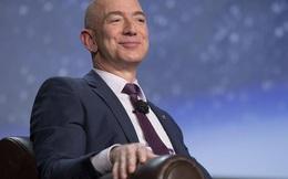 Lần đầu tiên trong lịch sử, ông chủ Amazon soán ngôi Bill Gates trở thành tỷ phú giàu có nhất trên thế giới