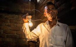 Bí ẩn người đàn ông không bao giờ bị giật điện, ăn điện như ăn đồ ăn mà cũng thấy no