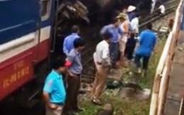 Tàu hỏa chở hơn 100 người trật bánh tại Hà Nội