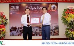 Chủ tịch TP Hà Nội Nguyễn Đức Chung nhận giải thưởng Bùi Xuân Phái