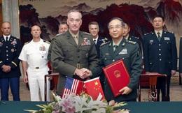 Tướng Mỹ đến Trung Quốc ăn cơm với lính, xem tập trận bắn đạn thật