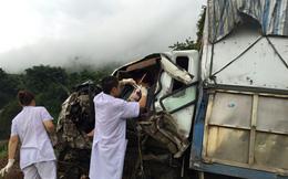 Cứu sống tài xế xe tải bị đa chấn thương mắc kẹt trong buồng lái sau tai nạn
