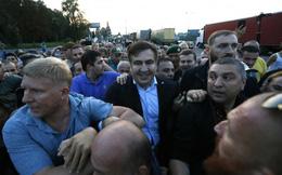 Cựu Tổng thống Gruzia Saakashvili vượt biên vào Ukraine bất chấp bị cấm đoán