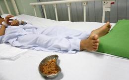 Lấy hơn 70 gram hạt sơ-ri nảy mầm trong hậu môn bé trai