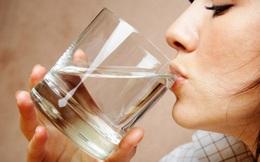 Điều gì xảy ra nếu uống nước ngay sau khi thức dậy
