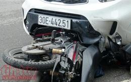 Xe ô tô lao sang đường ngược chiều đè nát 2 xe máy, 3 người nguy kịch