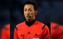 Trọng tài rút thẻ đỏ nhanh nhất thế giới bắt V-League