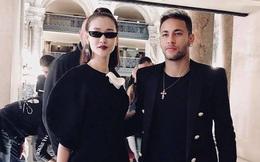 Sánh vai bên Neymar, Maya được gọi là 'người phụ nữ may mắn nhất thế giới'