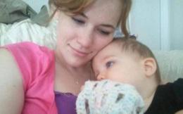 Ngủ trưa dậy, con gái ngậm chặt ngón tay, bất tỉnh rồi ngừng thở, bố lập tức đưa con đến bệnh viện