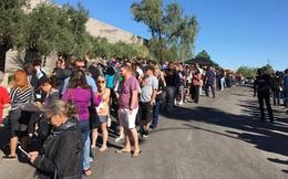 Xả súng ở Las Vegas: Hàng trăm người xếp hàng 6 giờ đồng hồ để chờ hiến máu