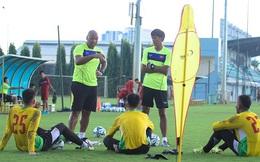Thủ môn U19 Việt Nam thích những cú sút của HLV Jason Brown