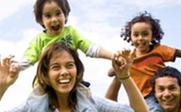 Đi chơi công viên, cả gia đình bất ngờ diện kiến thành viên mới trong bụng mẹ