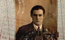 """Người trong bức ảnh hộ chiếu """"đẹp lịm tim"""" này là nhà văn nổi tiếng nhưng lại có kết thúc quá khủng khiếp"""