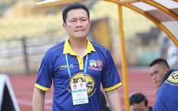 """Vì sao HAGL chưa """"đá"""" ghế HLV Nguyễn Quốc Tuấn?"""