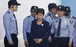Bà Park Geun-hye muốn gánh tội thay cấp dưới
