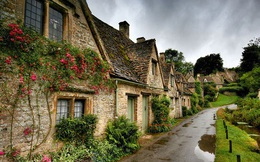 Ngất ngây đắm chìm trong những ngôi làng phủ đầy hoa tươi khắp thế giới