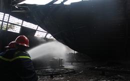 Cháy trong đêm, nhà kho chứa nệm Mousse bị thiêu rụi