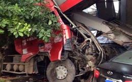 Hòa Bình: Tai nạn liên hoàn, hai xe mất lái lao thẳng vào phòng khám răng