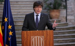 Cựu Thủ hiến Catalonia bị phế truất từ chối về nước hầu tòa