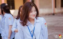 Nữ sinh 10X xinh xắn bỗng chốc nổi tiếng vì giống… Linh Ka