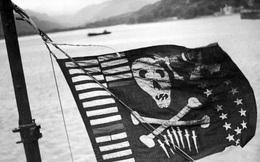 """Tại sao tàu ngầm hiện đại nhất của Mỹ treo cờ """"đầu lâu xương chéo""""?"""