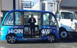 Xe bus tự lái bị tai nạn ngay trong ngày đầu hoạt động