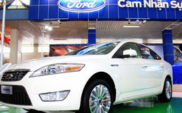"""Khách mua ô tô bình tĩnh chờ thuế, cổ phiếu CTF """"bay"""" nửa giá chỉ trong 1 tháng"""